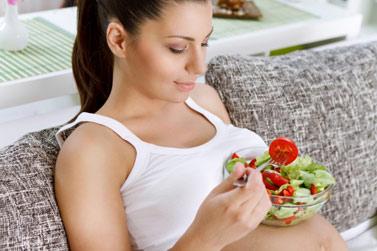 cuantas calorias debe consumir una mujer en lactancia