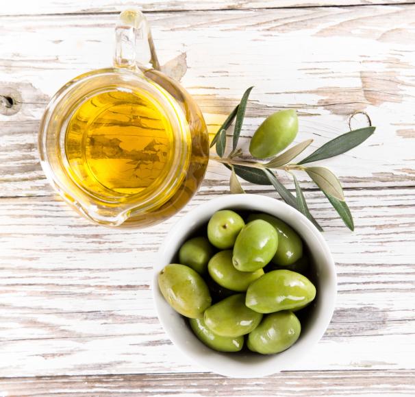 Alimentos con omega 3: aceite de oliva y girasol
