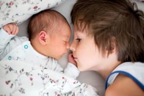 Cómo Preparar Al Hermano Mayor Para La Llegada Del Bebé